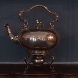 Teiera con supporto e fornelletto Giorgio IV
