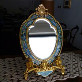 Specchiera francese in bronzo dorato e smalti champlevé